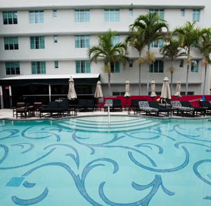 Hotel Victor - Key Largo, FL - Earthmark Rimless Pool
