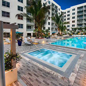 Berkshire Lauderdale By The Sea gallery pool eve - Fort Lauderdale