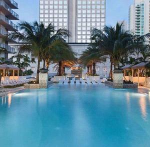 Monarc @ Met 3 - Pool - Miami, FL - ZOM Florida