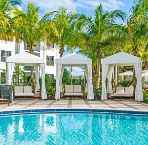 Luzano - Pompano Beach, FL